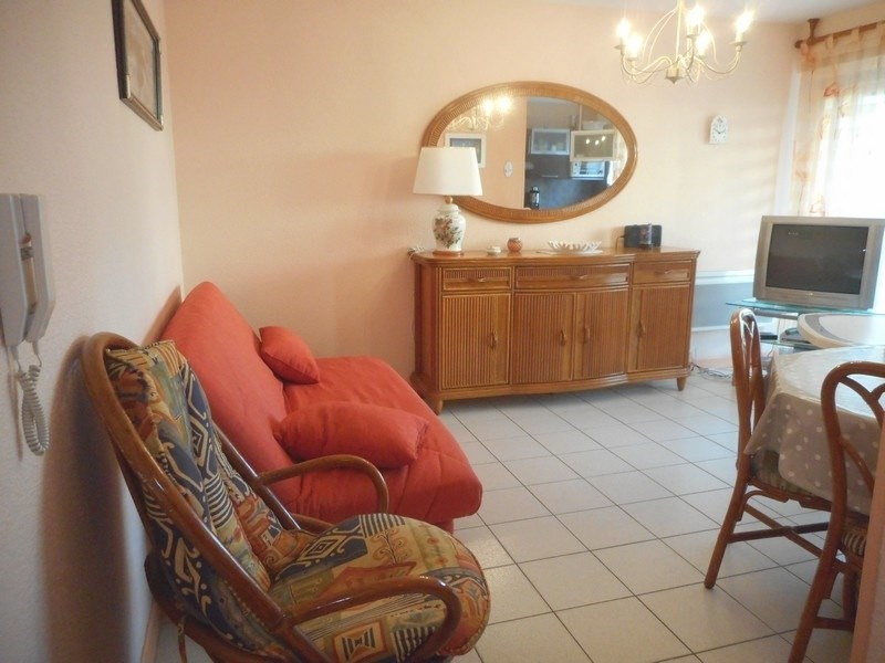 Vacation rental apartment Saint-palais-sur-mer 320€ - Picture 1