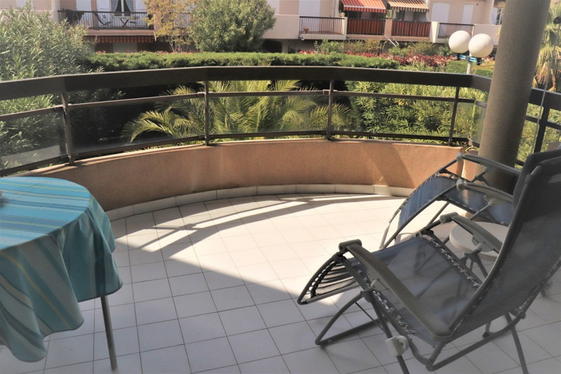 Vacation rental apartment Cavalaire sur mer 420€ - Picture 1