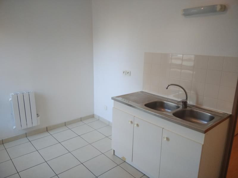 Rental apartment Vendome 460€ CC - Picture 3