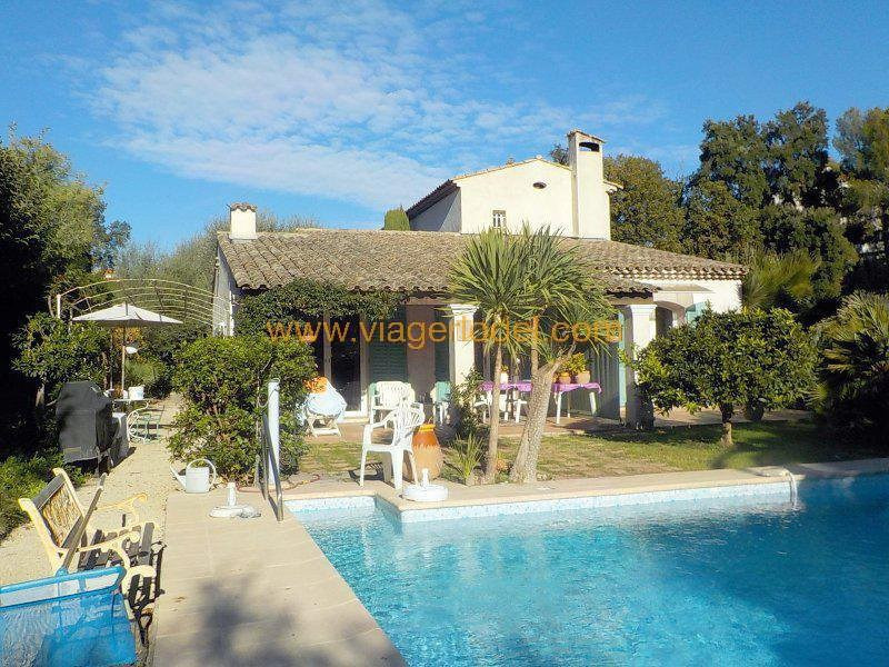 Deluxe sale house / villa Antibes 970 000€ - Picture 1