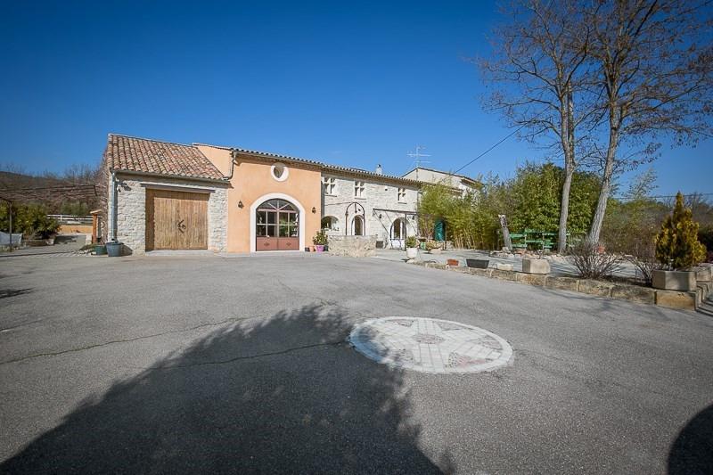 Deluxe sale house / villa Le puy ste reparade 798000€ - Picture 2