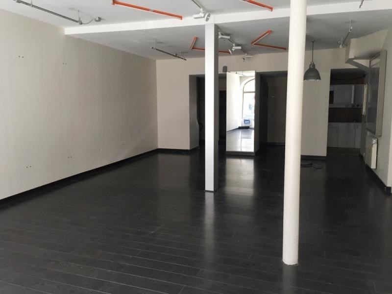 Location local commercial Fougeres 750€ HT/HC - Photo 3