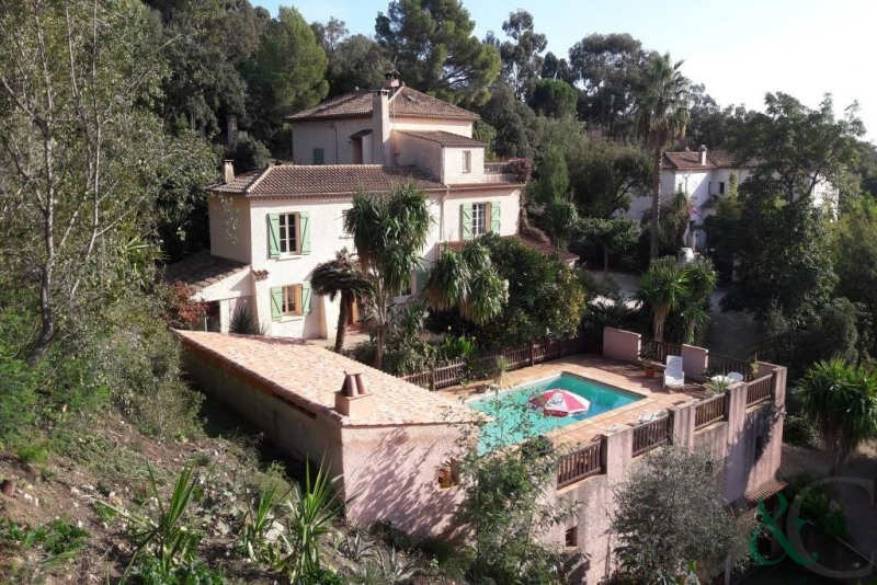 Deluxe sale house / villa Rayol canadel sur mer 2 150 000€ - Picture 2