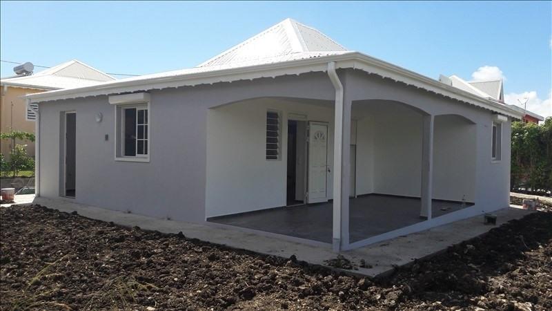Rental house / villa Ste anne 900€ CC - Picture 1