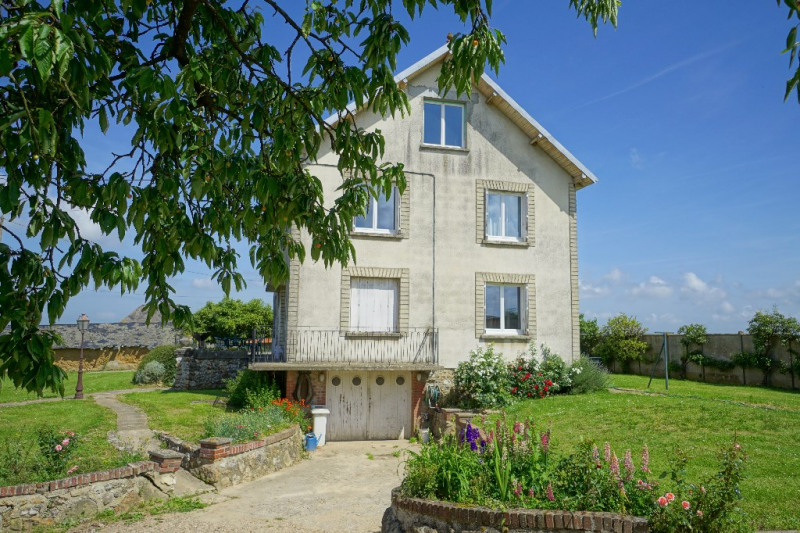Sale house / villa Les andelys 150000€ - Picture 1