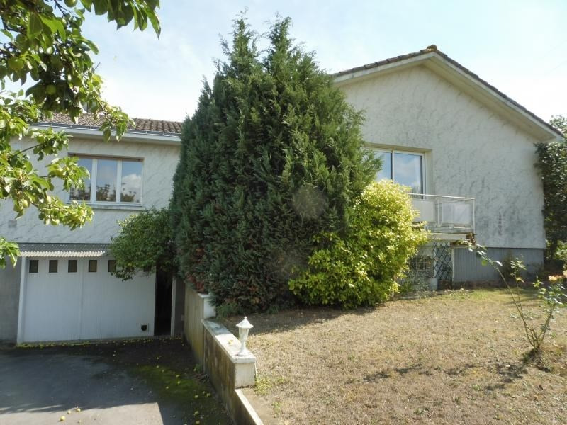 Sale house / villa Cholet 239 900€ - Picture 1