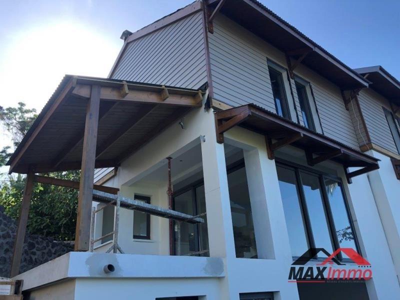 Vente maison / villa Les avirons 355000€ - Photo 1