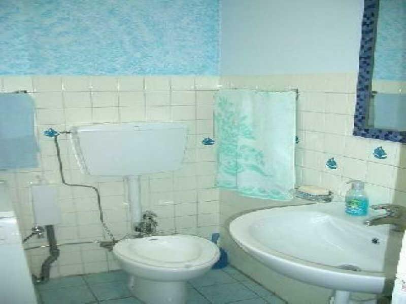 Location appartement Menton 499€ CC - Photo 5