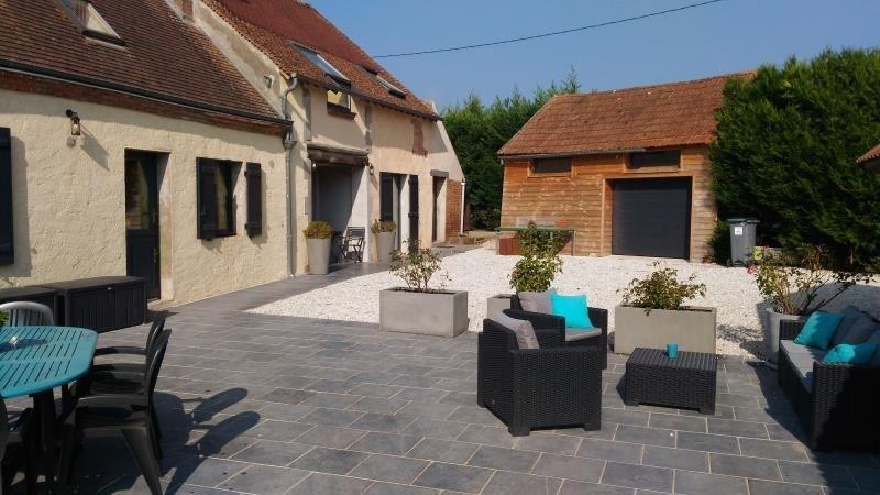 Sale house / villa Tigy 262500€ - Picture 1