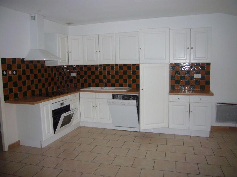 Rental house / villa Montreal 400€ CC - Picture 1