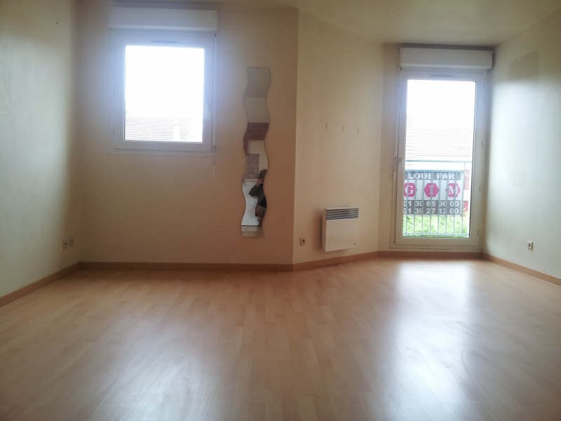 Rental apartment Conflans ste honorine 660€ CC - Picture 2
