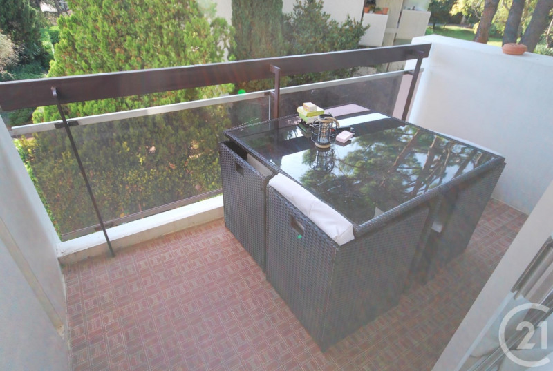 Rental apartment Antibes 1 050€ CC - Picture 3