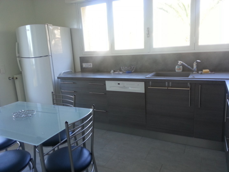 Vacation rental house / villa Cavalaire 2 800€ - Picture 10