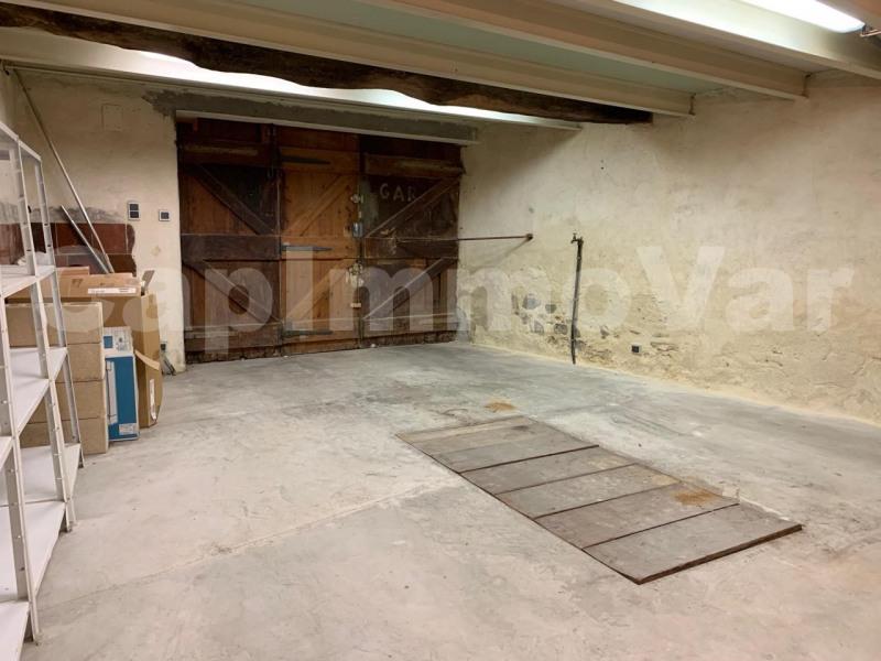 Rental apartment Le beausset 770€ CC - Picture 6