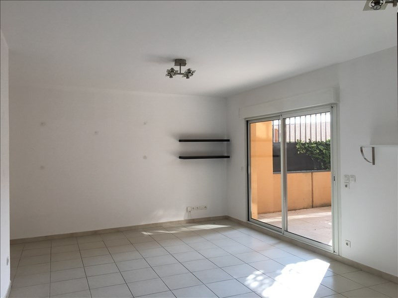 Location appartement Aix en provence 1 004€ CC - Photo 1