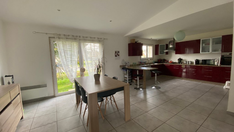 Sale house / villa Nay 213500€ - Picture 1