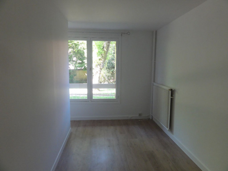 Deluxe sale apartment Chatou 250000€ - Picture 7