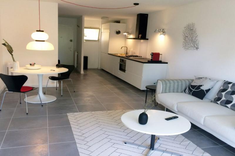 Sale apartment Juan-les-pins 330000€ - Picture 2