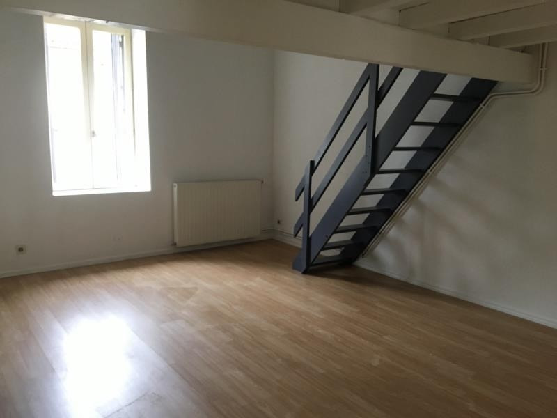 Location appartement Ste colombe 615€ CC - Photo 2