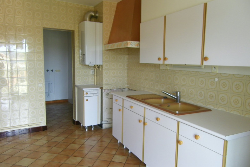 Rental apartment Agen 575€ CC - Picture 2