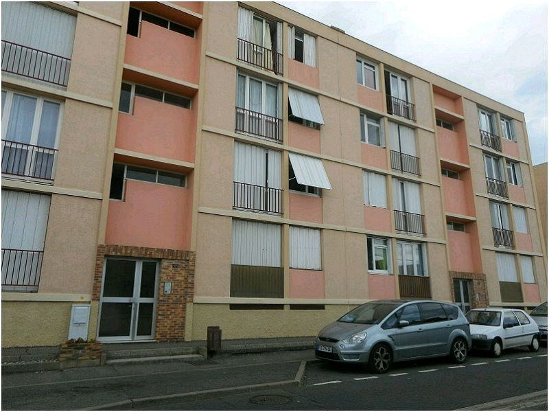 Rental apartment Athis mons 821€ CC - Picture 1