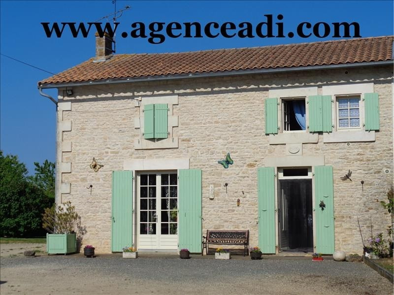 Vente maison / villa Lezay 124 900€ - Photo 1