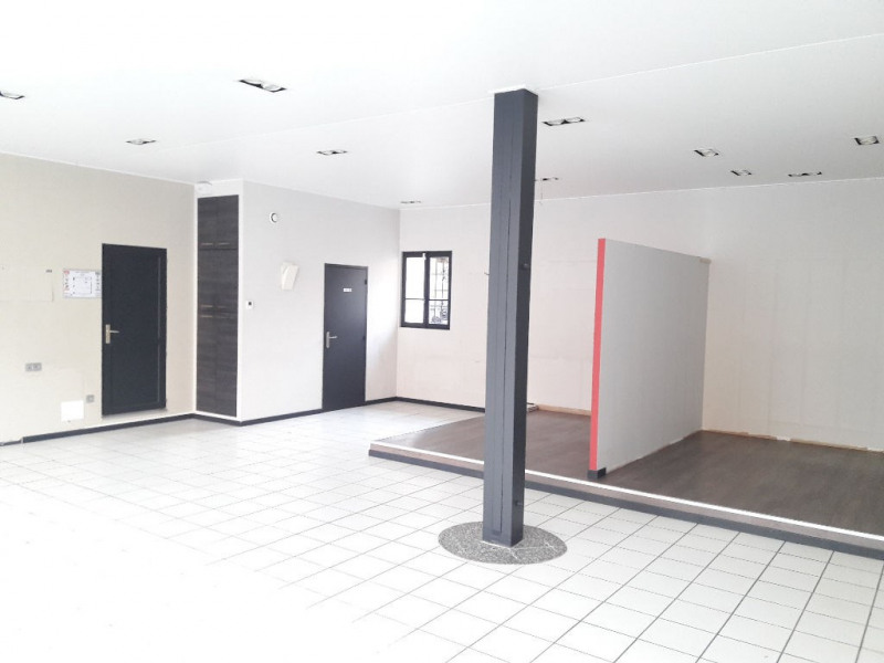 Location boutique Sallanches 1 870€ CC - Photo 3