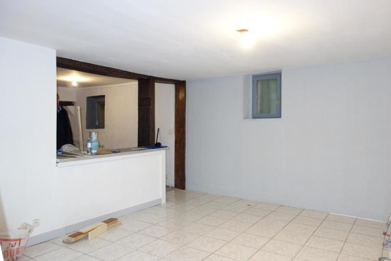 Location maison / villa Chessy 1 100€ CC - Photo 4