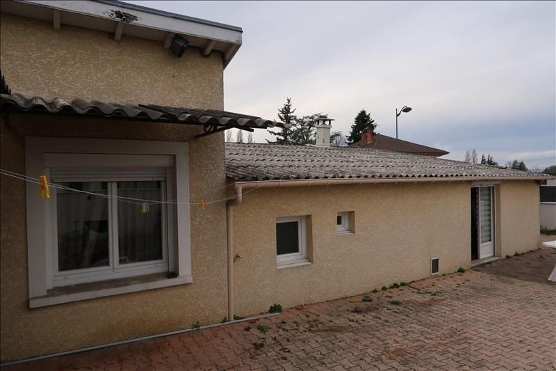 Sale house / villa Chassieu 265000€ - Picture 1