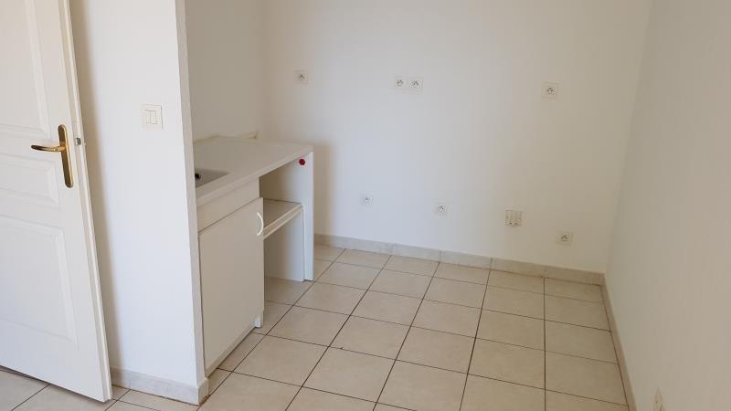 Sale apartment Le luc 120000€ - Picture 2