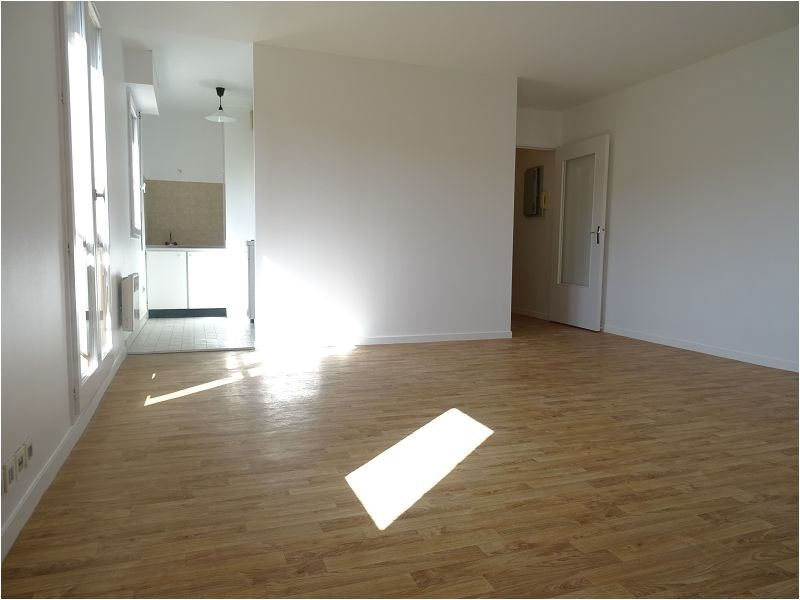 Rental apartment Bretigny 591€ CC - Picture 1