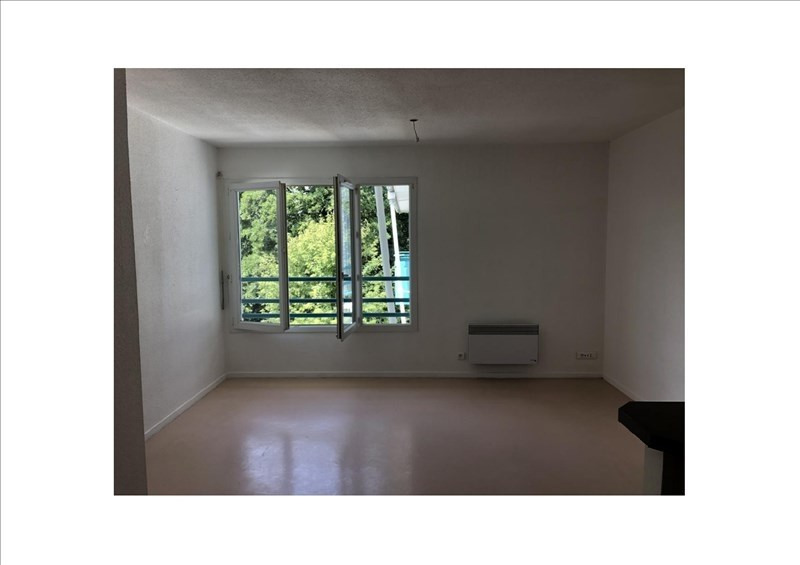 Rental apartment St medard en jalles 552€ CC - Picture 2