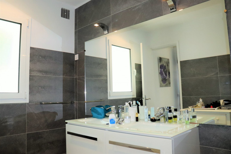 Vacation rental house / villa Cavalaire sur mer 4800€ - Picture 14