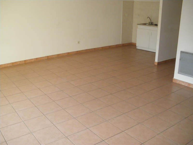 Rental apartment Salon de provence 425€ CC - Picture 2