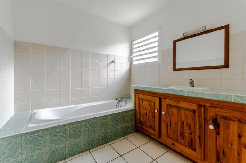 Location maison / villa Petite ile 719€ CC - Photo 3
