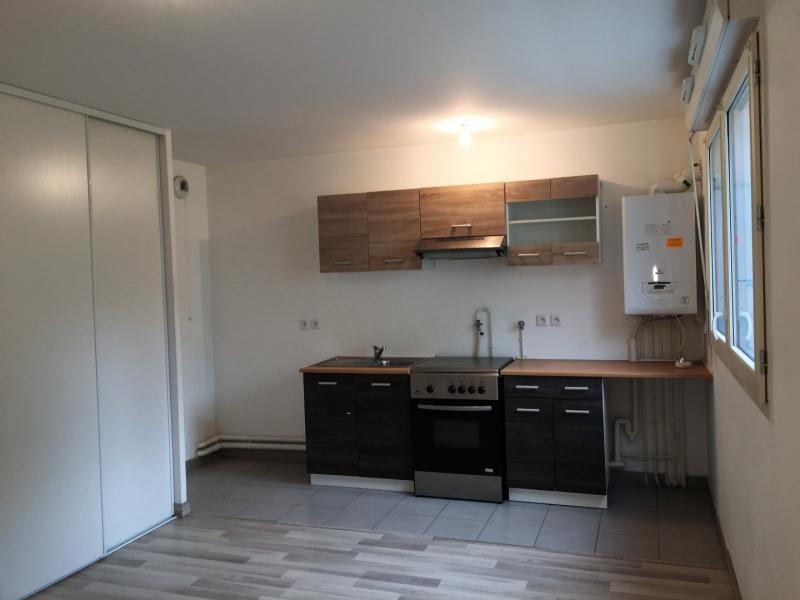 Rental apartment Saint-denis 663€ CC - Picture 3