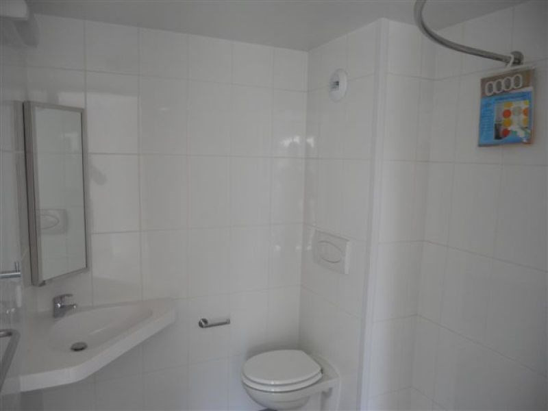 Location appartement Saint-nazaire 330€ CC - Photo 3