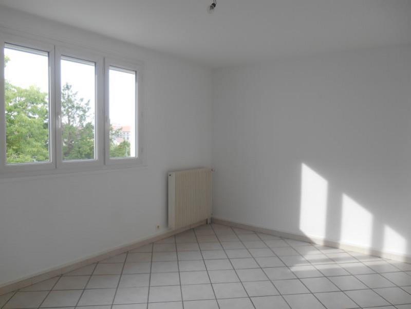 Location appartement St andre les vergers 436€ CC - Photo 2