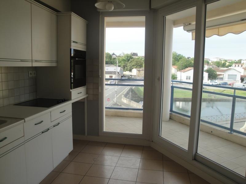 Location appartement Niort 765€ CC - Photo 2
