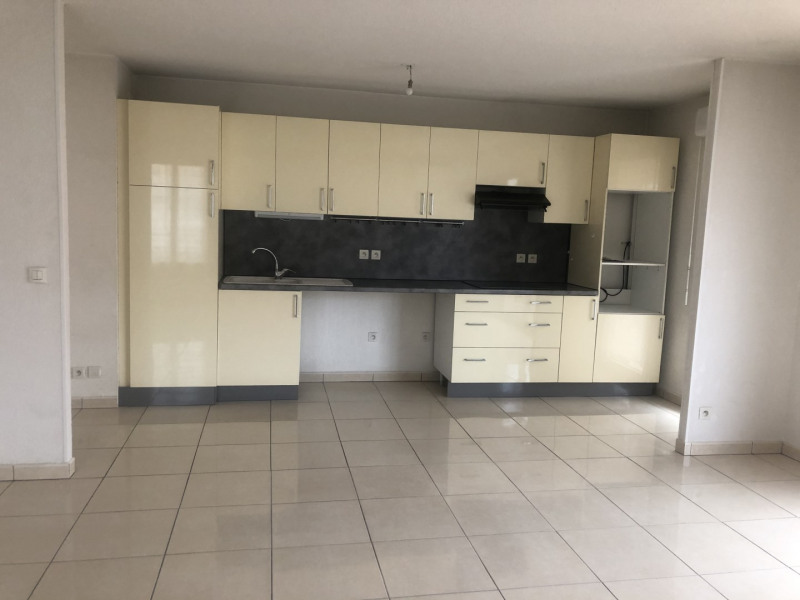 Location appartement Fréjus 1 190€ CC - Photo 3