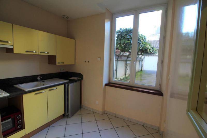 Locação apartamento Voiron 395€ CC - Fotografia 4