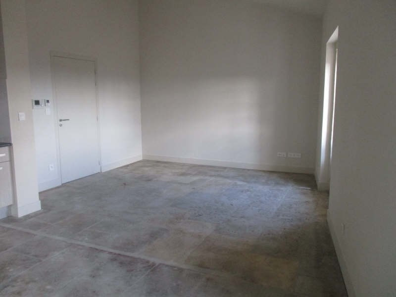 Rental apartment Nimes 654€ CC - Picture 2