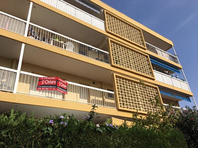 Sale apartment Saint laurent du var 185000€ - Picture 3