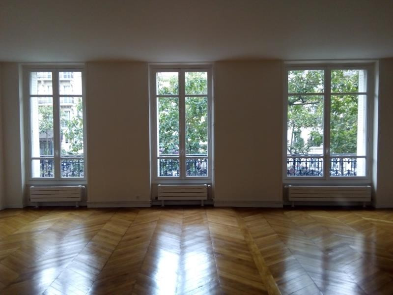 Rental apartment Paris 17ème 4 601€ CC - Picture 2