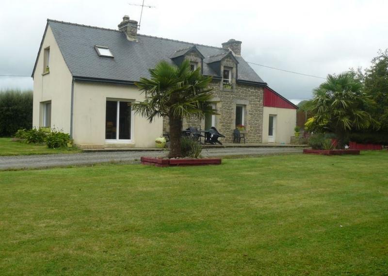 Sale house / villa Plounevez quintin 138300€ - Picture 1