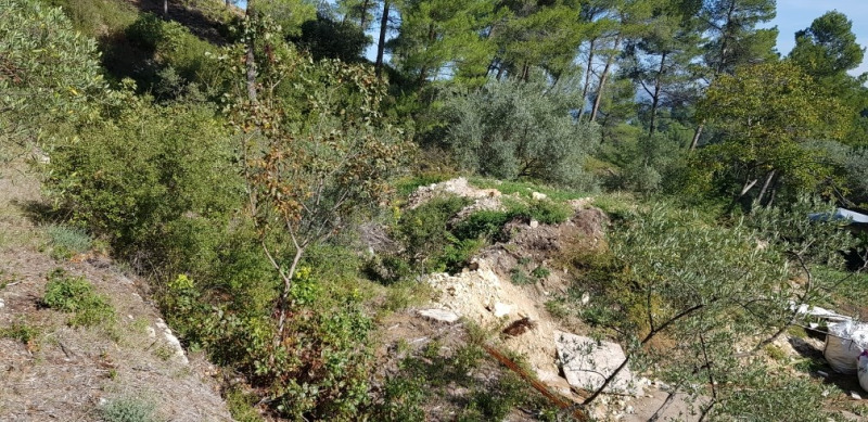 Revenda terreno Meyrargues 215000€ - Fotografia 4