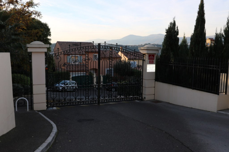 Sale apartment Nice 445 000€ - Picture 1