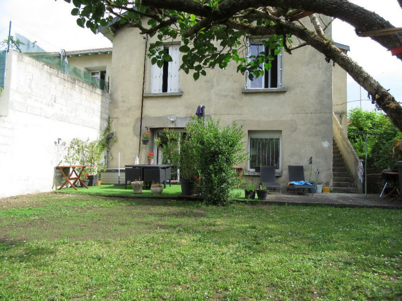 Sale house / villa Perigueux 180 200€ - Picture 1