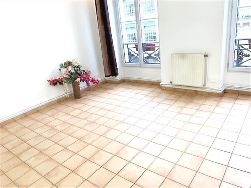 Sale apartment Paris 10ème 385 000€ - Picture 2