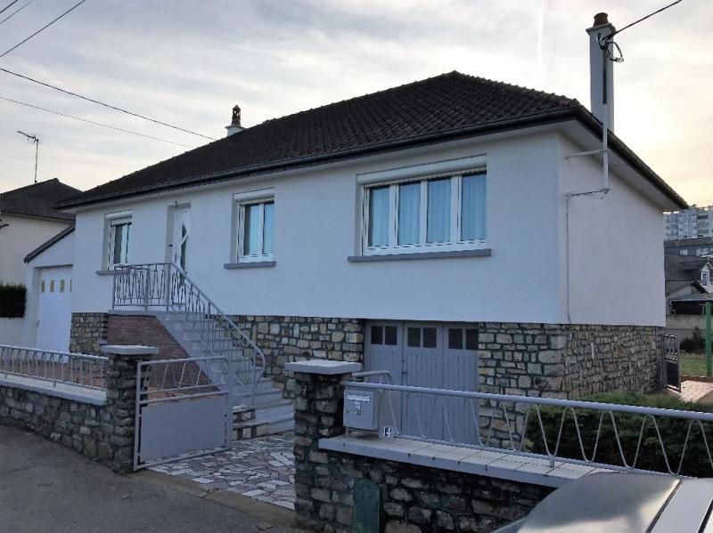 Sale house / villa Laval 140400€ - Picture 1